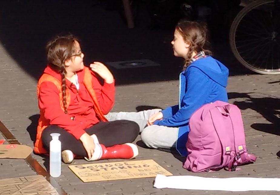 Lilly Platt and Greta Thunberg at a school strike. Credit: Eleanor Platt