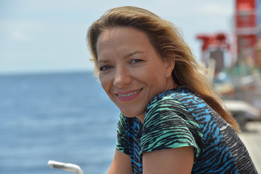 Antje Boetius auf Expedition SONNE 242-2 im Pazifik (2015). Foto: Manfred Schulz