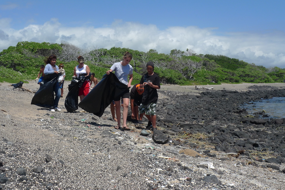 Kamilo beach clean-up