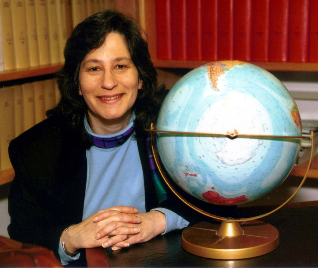 Susan_Solomon-Desk_With_Globe