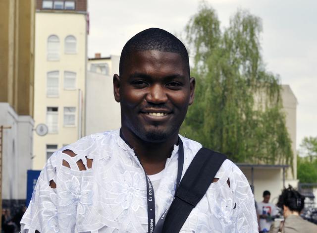Al Banda über Netzwerke in Afrika